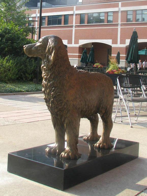 Monty bronze portrait statue by Lena Toritch