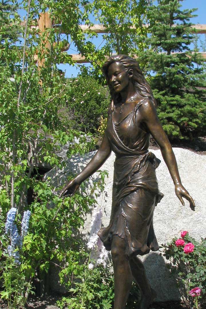 Kelly bronze portrait statue by Lena Toritch