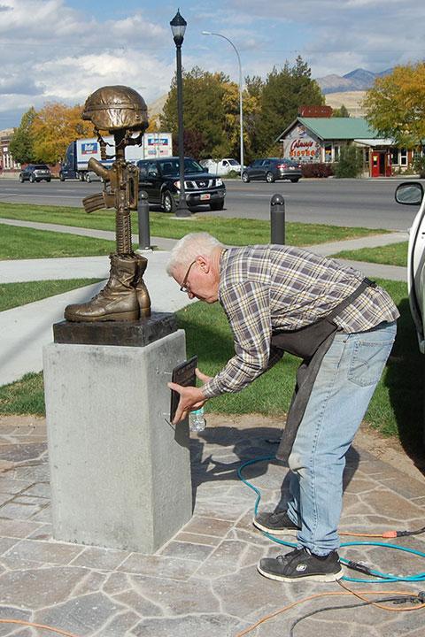 Smithfield Veterans Memorial Battlefield Cross Plaque Installation