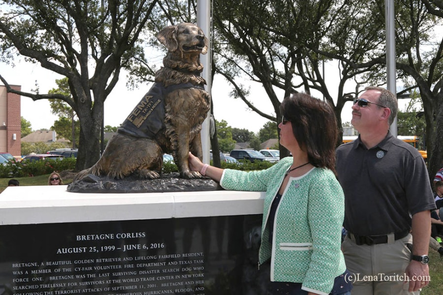 Denise Corliss with SAR K9 Bretagne Bronze Statue
